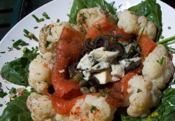 Цветная капуста с сыром и базиликом