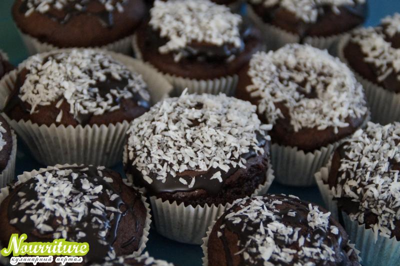 Исландский шоколадный пирог с кокосом