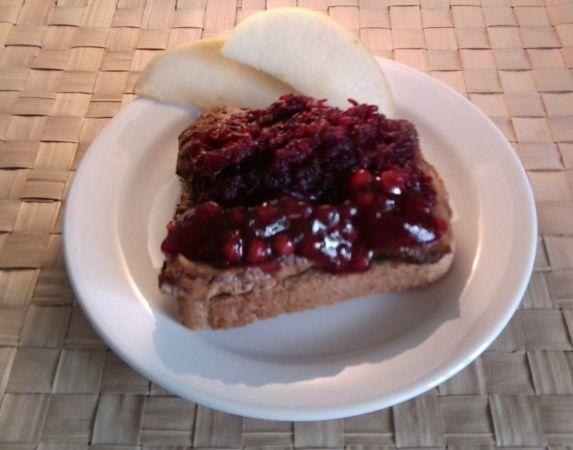 Бутерброды калорийные с мясом и свёклой