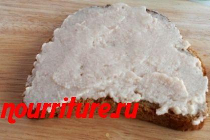 Бутерброды с паштетом из пикши