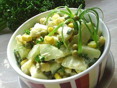 Салат из солёной трески с зелёным луком