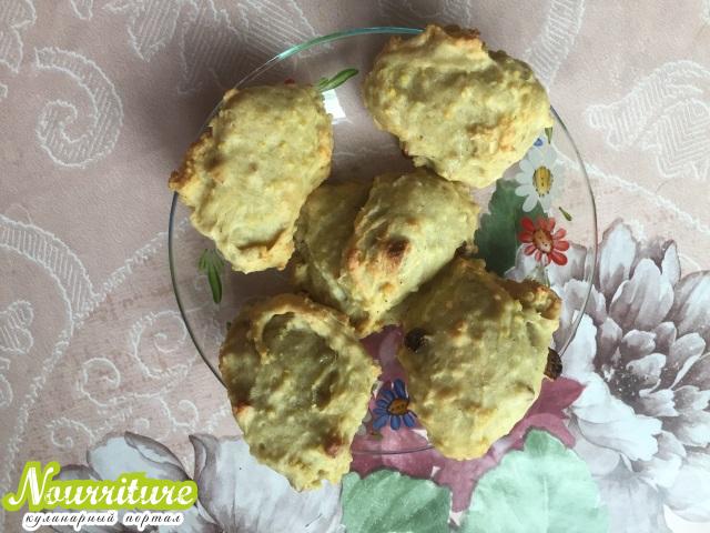 Просяное печенье с изюмом и орехами