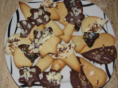 Печенье миндальное в шоколадной глазури