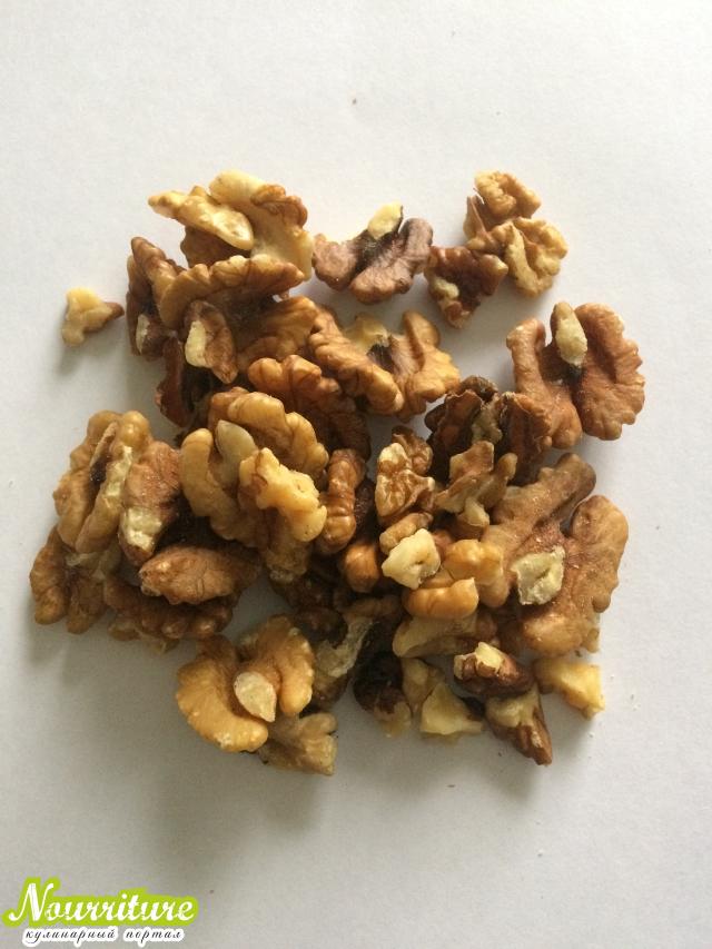 Смесь из кураги, изюма, инжира, грецких орехов и чернослива (при вялости и сниженном тонусе организма)