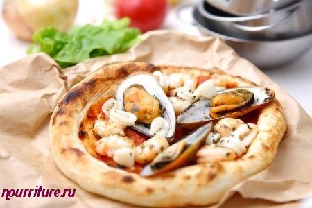 Пицца с морепродуктами и сулугуни