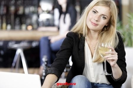 """Как Мартовский Заяц угощал Алису вином (из сказки """"Алиса в Стране чудес"""")"""