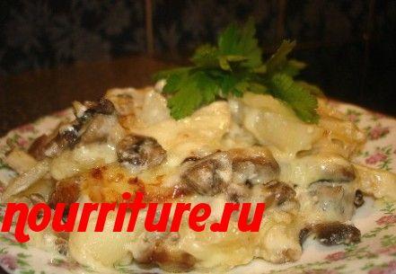 Консервированная лососина в сметане с картофелем