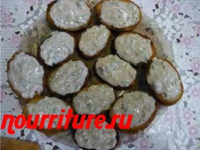 Бутерброды с салатом из шпрот