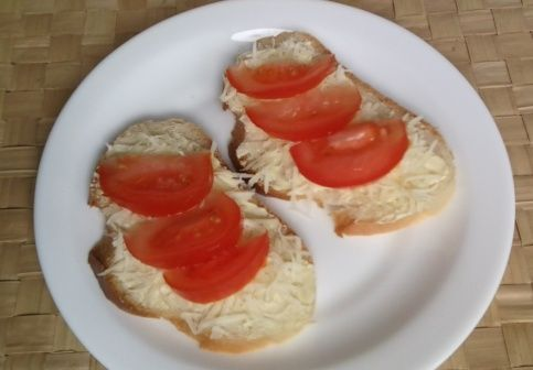 Бутерброды калорийные с сырным маслом