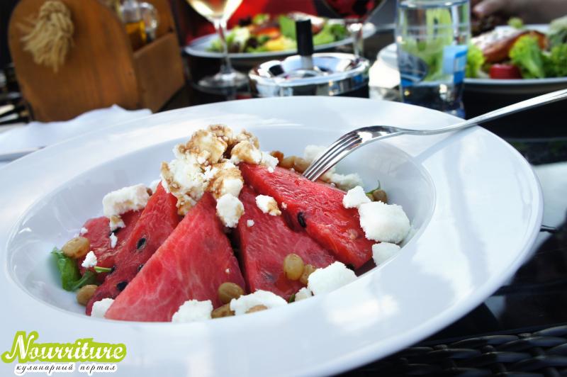 Арбузный салат по-гавайски