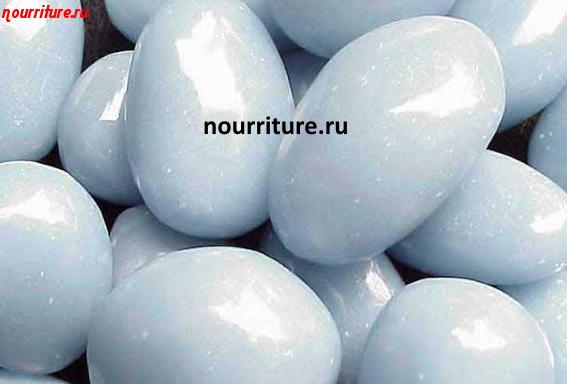 Камни для здоровья человека: ангелит при болезнях щитовидной железы и горла