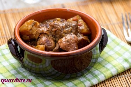 Печеня житомирская (свинина с грибами и томатом)