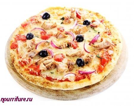 Пицца с тунцом и маслинами