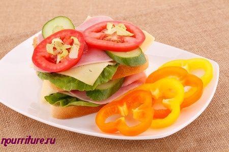 Бутерброды калорийные с сыром, помидором или огурцом