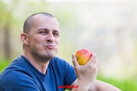 """Разговор о пользе яблок (отрывок из романа Э. М. Ремарка """"Три товарища"""")"""