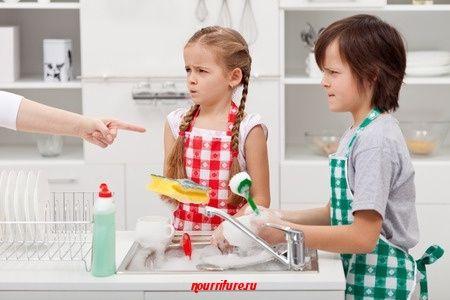 """Стишок о грязной посуде (из сказки Т. Эгнер """"Люди и разбойники из Кардамона)"""