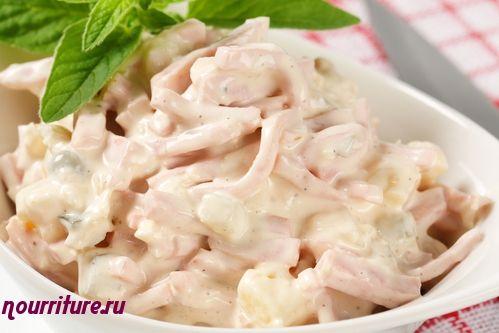 Салат мясной с картофелем