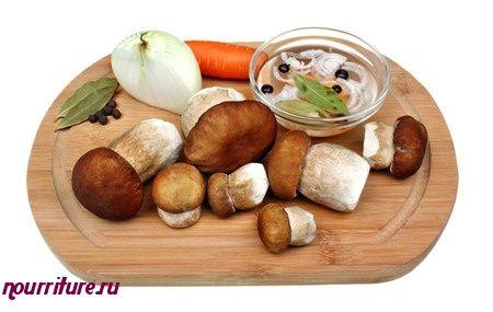 Бутерброды канапе с отварной телятиной и грибами