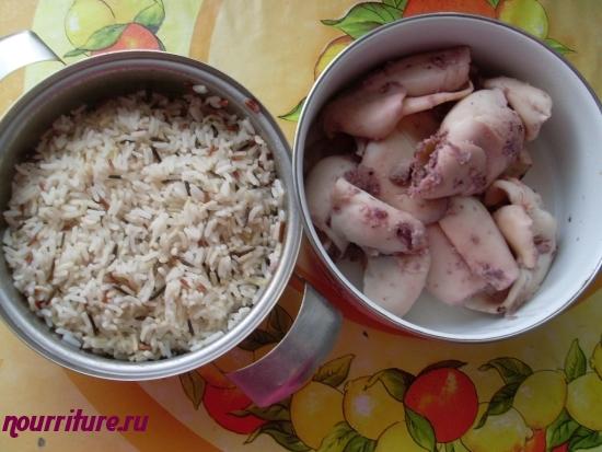 Кальмары, тушённые с рисом