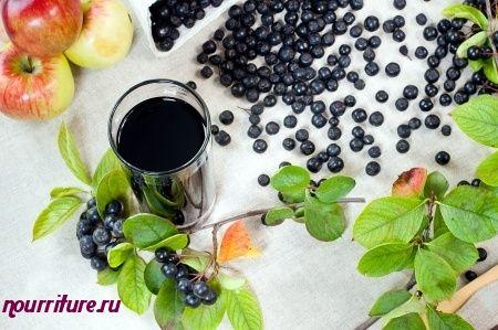 Компот из черноплодки с яблоками, грушами, айвой и лимоном