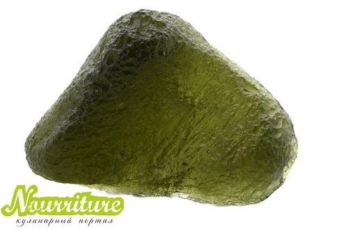 Камни для здоровья человека: влтавин (молдавит) при тяжёлых заболеваниях, снижении либидо и мигренях
