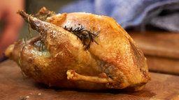Цесарка, фаршированная белыми грибами и куриной печенью