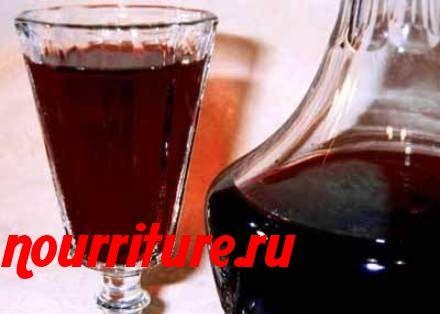 Как сделать настойку на спирту из рябины