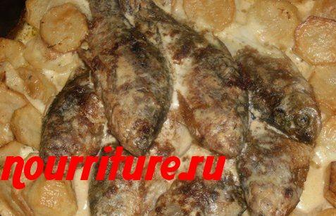Караси, жаренные в сметане (с картофелем)