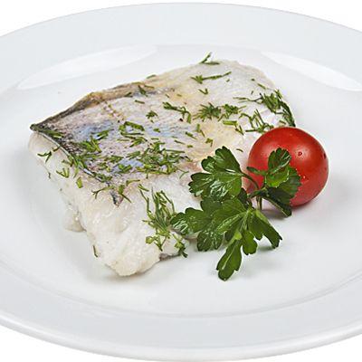 Малосольная отварная осетровая рыба (осетрина, севрюга, стерлядь или белуга)
