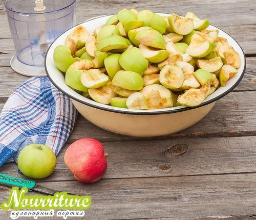 Как законсервировать яблоки дольками?