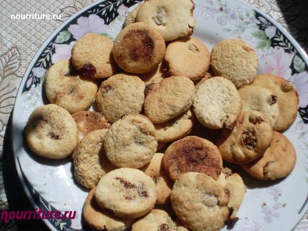 Пряное печенье с изюмом