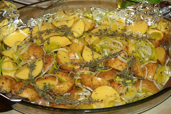 Картофель с пореем и омлетом при повышенном холестерине