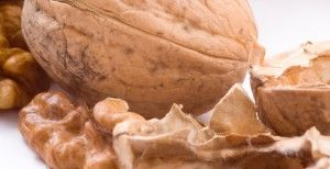 Молочко из грецких орехов при язве желудка