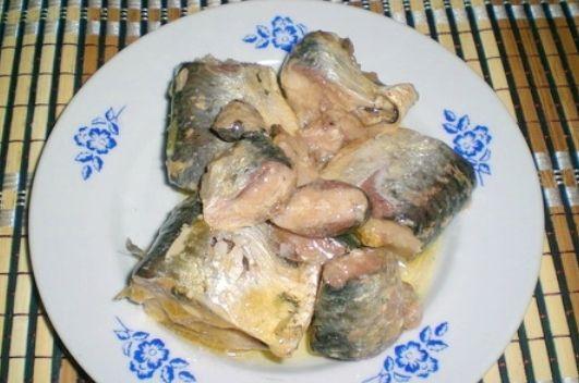 Плов из консервированной рыбы