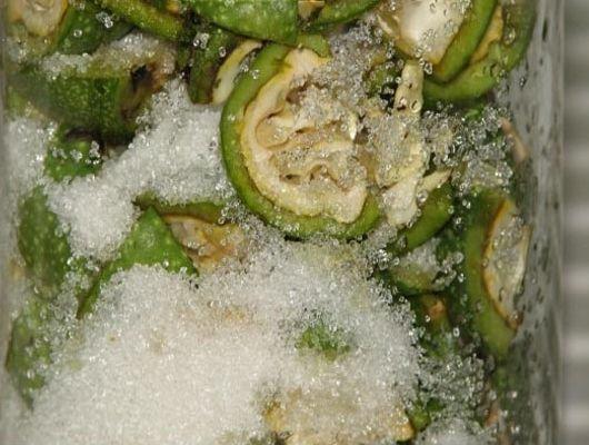 Сладкая спиртовая настойка из зелёных грецких орехов