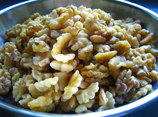Настой ядер грецкого ореха и листьев золотого уса с мёдом