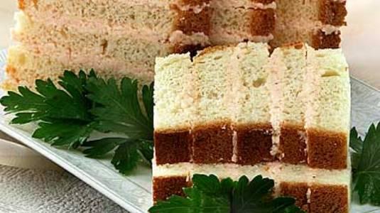 Бутерброды с деликатесным маслом на бисквите