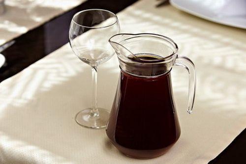 Витаминный напиток из сушёных плодов шиповника и рябины