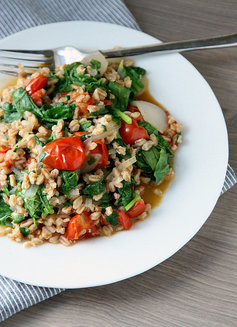 One-Pot-Tomato-Spinach-Farro.jpg