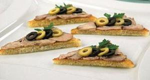 Салат с печенью трески рецепт и соленым огурцом
